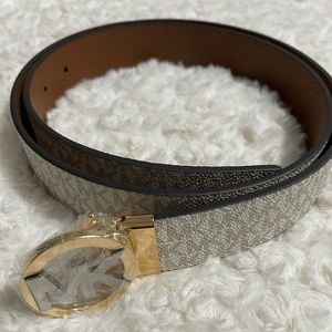 MICHAEL KORS Reversible Logo Leather Belt.